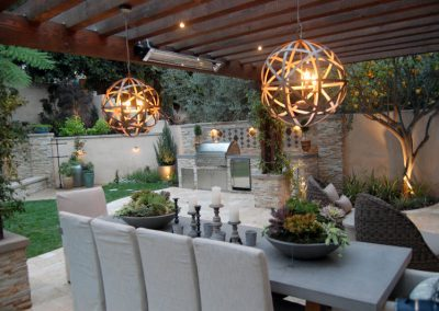 Inside Outside - Dining Outdoors in Style